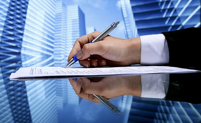 contratto da firmare con salario minimo legale