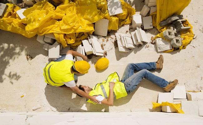 lavoratore infortunato nel cantiere edile