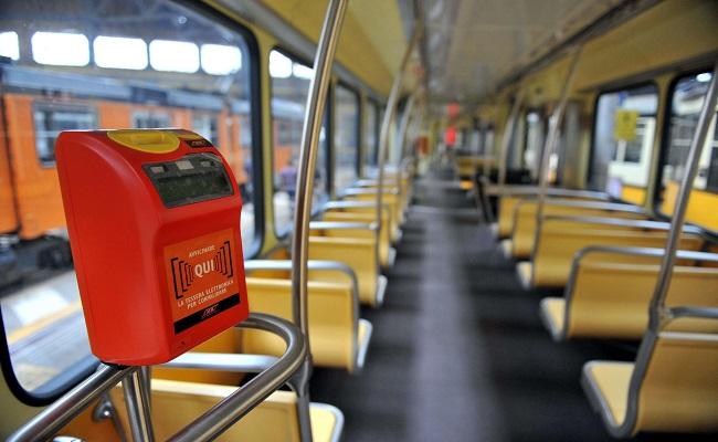 interno bus trasporto pubblico